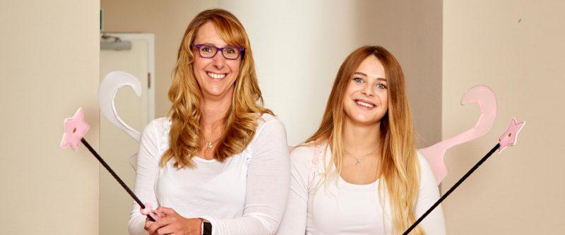 Ester Hoekstra und Selina Schimmank sind Ihre Dentalhygienikerinnen aus Leer