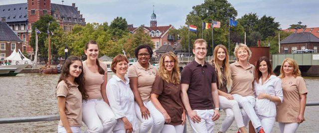 Das Team der Zahnarztpraxis Bertram in Leer