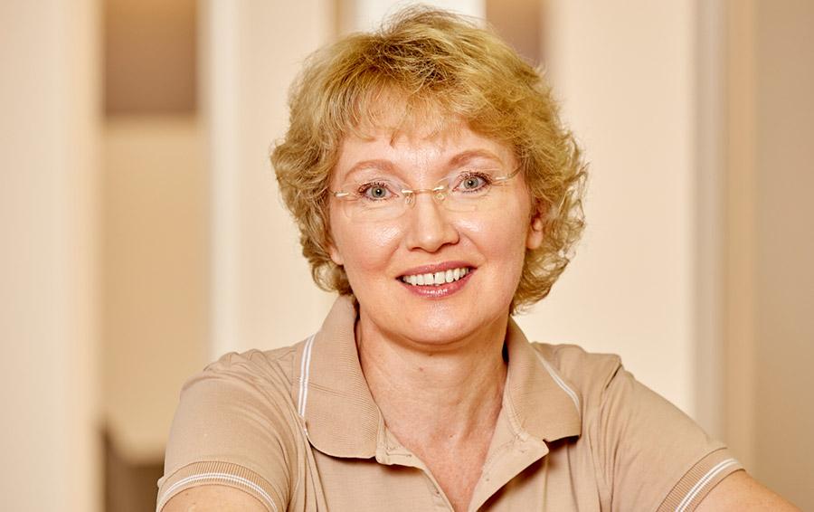 Irina Pivsaeva, Zahnmedizinische Fachangestellte aus der Zahnarztpraxis Bertram in Leer