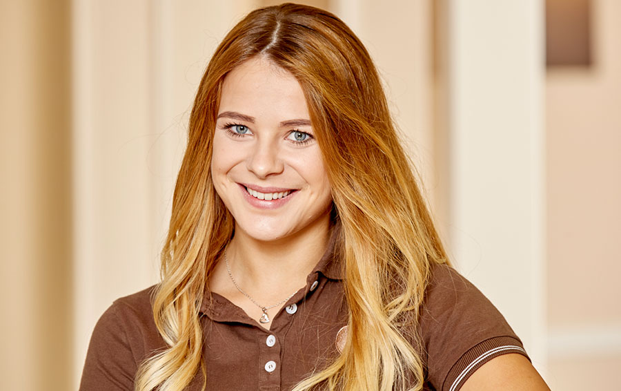 Selina Schimmank Zahnmedizinische Prophylaxeassistentin in der Zahnarztpraxis Bertram in Leer